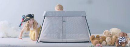 Babybjorn Light : un lit parapluie léger et facile à installer