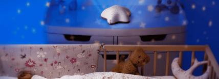 Pabobo : veilleuse musicale projecteur d'étoiles